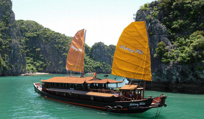 How to arrange a cruise in Halong bay
